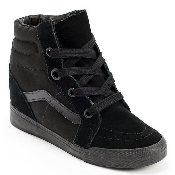 0a1738545356 Vans Sk8-hi all Black Sneaker Wedges. M 5b0c7f3e61ca10c16cf3a884